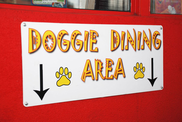 doggie dining in denver